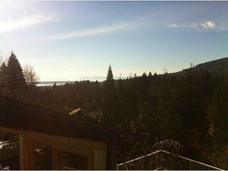 """Photo 2: 5623 EAGLE Court in North Vancouver: Grouse Woods 1/2 Duplex for sale in """"Grousewoods"""" : MLS®# V1103853"""