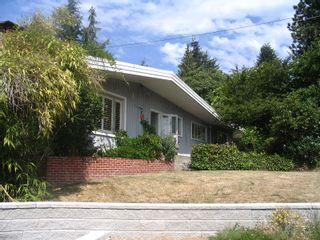 Photo 2: 1772 OTTAWA Place in West_Vancouver: Ambleside House for sale (West Vancouver)  : MLS®# V786516