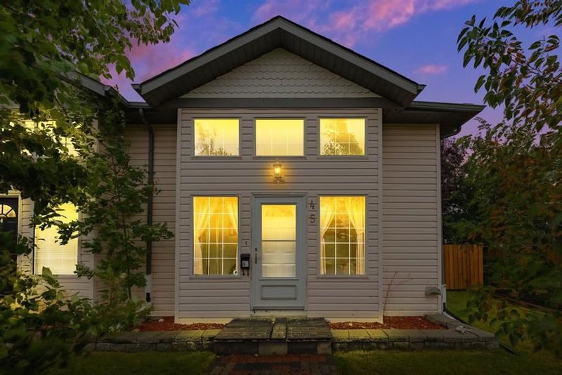 FEATURED LISTING: 45 Ross Place Crossfield