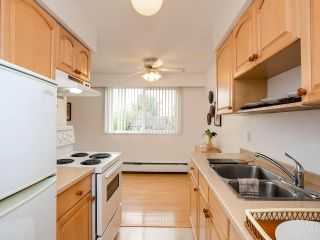 """Photo 17: 103 910 FIFTH Avenue in New Westminster: Uptown NW Condo for sale in """"Grosvenor Court/ Aldercrest Developments Inc."""" : MLS®# R2459937"""