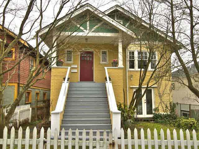 Main Photo: 2556 OXFORD STREET in : Hastings Sunrise House for sale : MLS®# V995209