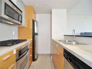 """Photo 4: 1201 33 SMITHE Street in Vancouver: Yaletown Condo for sale in """"Coopers Lookout"""" (Vancouver West)  : MLS®# V924404"""
