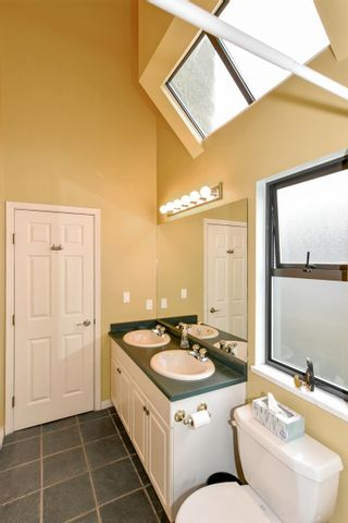 Photo 25: 2052 E 5TH Avenue in Vancouver: Grandview Woodland 1/2 Duplex for sale (Vancouver East)  : MLS®# R2625762