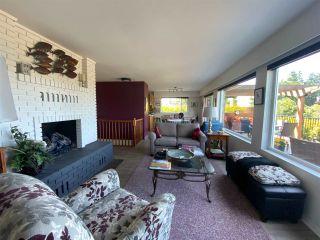 "Photo 8: 4750 WHITAKER Road in Sechelt: Sechelt District House for sale in ""DAVIS BAY"" (Sunshine Coast)  : MLS®# R2476766"