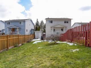 Photo 3: B 2321 Embleton Cres in COURTENAY: CV Courtenay City Half Duplex for sale (Comox Valley)  : MLS®# 807964