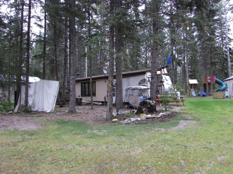 FEATURED LISTING: 90 Bergen Blvd Rural Mountain View County