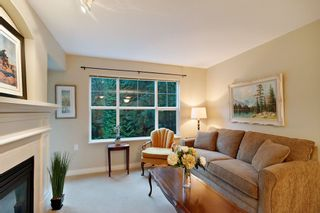 """Photo 3: 205 960 LYNN VALLEY Road in North Vancouver: Lynn Valley Condo for sale in """"Balmoral House"""" : MLS®# R2502603"""