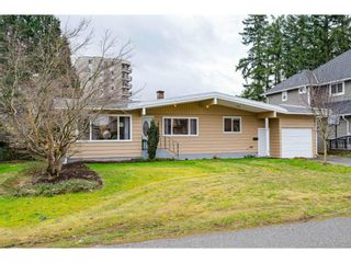 """Photo 2: 31938 HOPEDALE Avenue in Abbotsford: Abbotsford West House for sale in """"Clearbrook"""" : MLS®# R2545727"""