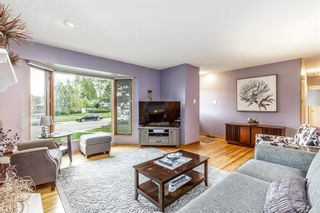Photo 2: 73 Langton Drive SW in Calgary: North Glenmore Park Detached for sale : MLS®# A1112301