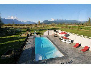 Photo 2: 20981 132ND Avenue in Maple Ridge: Northwest Maple Ridge House for sale : MLS®# V1116009