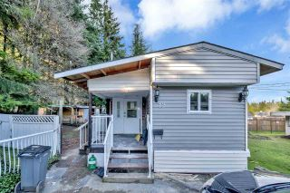"Photo 1: 12 6280 KING GEORGE Boulevard in Surrey: Panorama Ridge Manufactured Home for sale in ""WHITE OAKS"" : MLS®# R2540288"