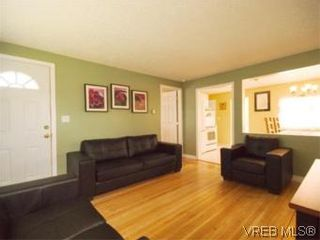 Photo 1: 1 2871 Peatt Rd in VICTORIA: La Langford Proper Row/Townhouse for sale (Langford)  : MLS®# 499885