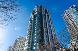 """Photo 16: 1705 969 RICHARDS Street in Vancouver: Downtown VW Condo for sale in """"Mondrian II"""" (Vancouver West)  : MLS®# R2344228"""