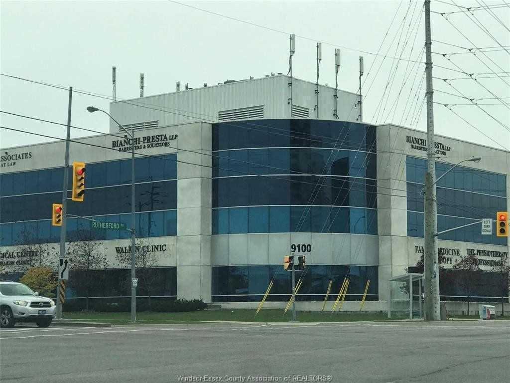 Main Photo: 113-114 9100 S Jane Street in Vaughan: Concord Property for lease : MLS®# N5133618