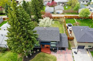 Photo 2: 37 Roseview Drive NW in Calgary: Rosemont Detached for sale : MLS®# A1141573