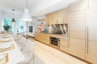 """Photo 4: 202 36 WATER Street in Vancouver: Downtown VW Condo for sale in """"TERMINUS"""" (Vancouver West)  : MLS®# R2617552"""