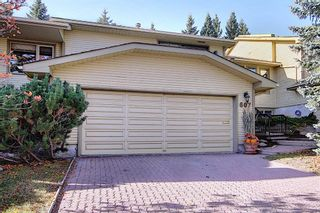 Photo 2: 607 Stratton Terrace SW in Calgary: Strathcona Park Row/Townhouse for sale : MLS®# A1065439