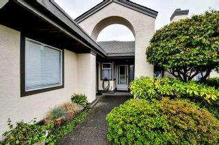 "Photo 2: 2 12925 17 Avenue in Surrey: Crescent Bch Ocean Pk. Townhouse for sale in ""Ocean Park Grove"" (South Surrey White Rock)  : MLS®# R2001766"