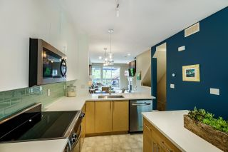 """Photo 7: 61 15 FOREST PARK Way in Port Moody: Heritage Woods PM Townhouse for sale in """"DISCOVERY RIDGE"""" : MLS®# R2592659"""
