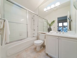 """Photo 12: 322 W 15TH Avenue in Vancouver: Mount Pleasant VW Townhouse for sale in """"Mayor's House"""" (Vancouver West)  : MLS®# R2324549"""
