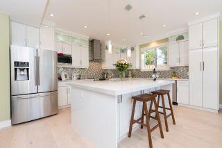 Photo 8: 1635 Kings Road in Victoria: Oaklands House for sale : MLS®# VIR411055