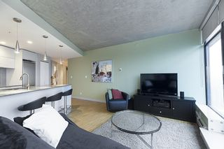 """Photo 3: 3608 128 W CORDOVA Street in Vancouver: Downtown VW Condo for sale in """"Woodwards (W43)"""" (Vancouver West)  : MLS®# R2559958"""