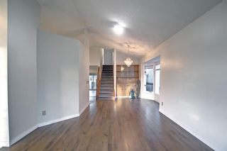 Photo 4: 37 Martingrove Way NE in Calgary: Martindale Detached for sale : MLS®# A1152102