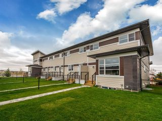 Photo 2: 134 SKYVIEW Circle NE in Calgary: Skyview Ranch Row/Townhouse for sale : MLS®# C4265208