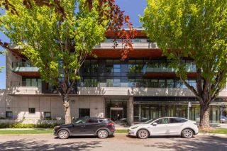 """Photo 4: 305 717 W 17TH Avenue in Vancouver: Cambie Condo for sale in """"Heather & 17th"""" (Vancouver West)  : MLS®# R2581500"""