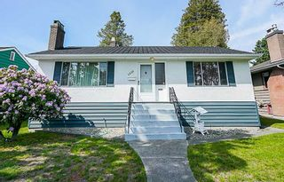 Photo 1: 4039 RUMBLE Street in Burnaby: Suncrest House for sale (Burnaby South)  : MLS®# R2368210