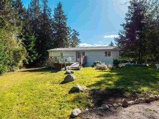 Photo 1: 7735 REDROOFFS Road in Halfmoon Bay: Halfmn Bay Secret Cv Redroofs House for sale (Sunshine Coast)  : MLS®# R2564522