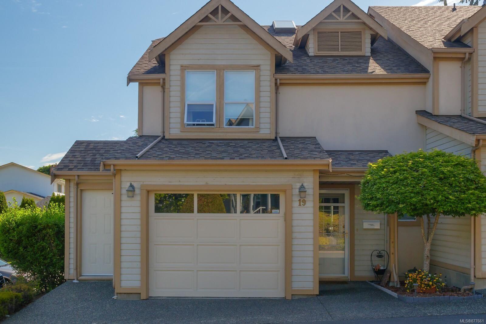 Main Photo: 19 3947 Cedar Hill Cross Rd in : SW West Saanich Row/Townhouse for sale (Victoria)  : MLS®# 877661