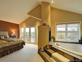 Photo 14: 922 W Garthland Place in VICTORIA: Es Kinsmen Park Residential for sale (Esquimalt)  : MLS®# 331905