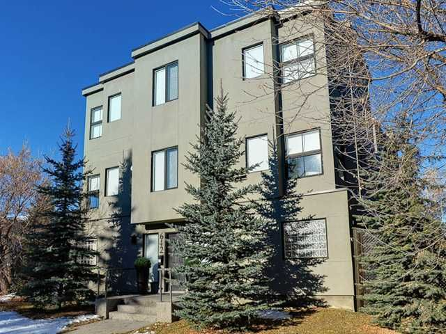 Main Photo: 642 56 Avenue SW in CALGARY: Windsor Park Townhouse for sale (Calgary)  : MLS®# C3546902