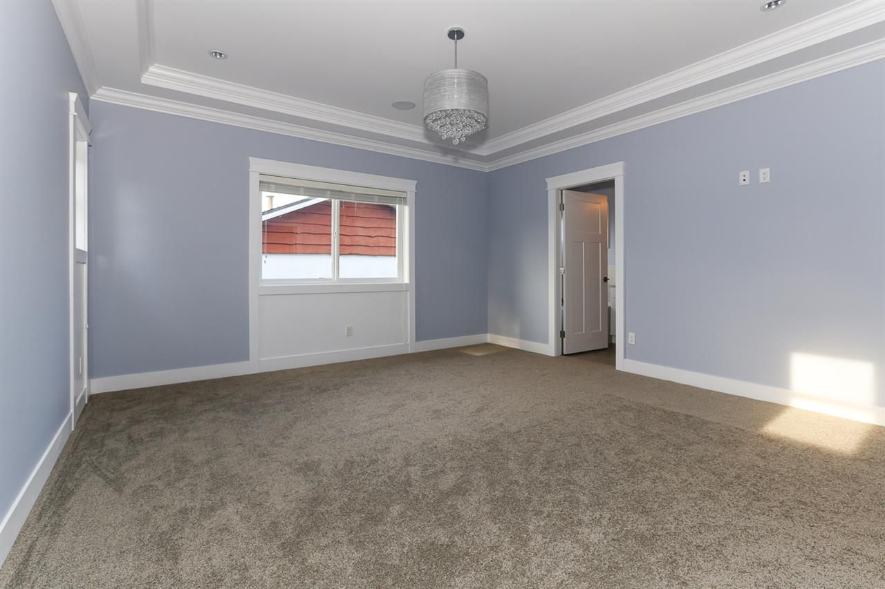 Photo 10: Photos: 5122 44 AVENUE in Delta: Ladner Elementary House for sale (Ladner)  : MLS®# R2024397