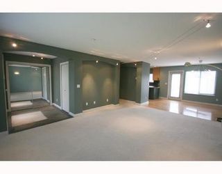 Photo 2: 1170 41ST Ave in Vancouver East: Home for sale : MLS®# V708669
