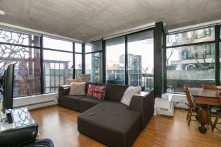 """Photo 2: 803 128 W CORDOVA Street in Vancouver: Downtown VW Condo for sale in """"WOODWARDS W43"""" (Vancouver West)  : MLS®# R2241482"""