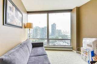 """Photo 28: 1902 1228 MARINASIDE Crescent in Vancouver: Yaletown Condo for sale in """"Crestmark II"""" (Vancouver West)  : MLS®# R2582919"""