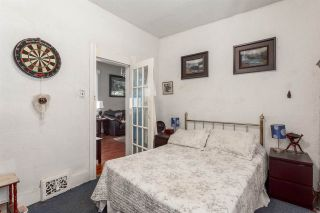 """Photo 6: 951 E 17TH Avenue in Vancouver: Fraser VE House for sale in """"CEDAR COTTAGE"""" (Vancouver East)  : MLS®# R2205343"""
