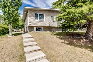 Main Photo: 414 60 Avenue NE in Calgary: Thorncliffe Semi Detached for sale : MLS®# A1121620