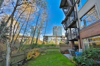 Photo 1: 102 400 KLAHANIE DRIVE in Port Moody: Port Moody Centre Condo for sale : MLS®# R2013966