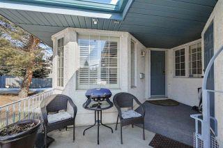 Photo 2: 198 OEMING Road in Edmonton: Zone 14 House Half Duplex for sale : MLS®# E4255355