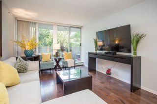 """Photo 11: 311 1288 MARINASIDE Crescent in Vancouver: Yaletown Condo for sale in """"Crestmark I"""" (Vancouver West)  : MLS®# R2602916"""