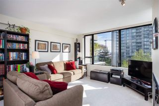 """Photo 14: 403 151 W 2ND Street in North Vancouver: Lower Lonsdale Condo for sale in """"SKY"""" : MLS®# R2389638"""