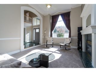 Photo 4: 23923 121 Avenue in Maple Ridge: East Central House for sale : MLS®# R2415031