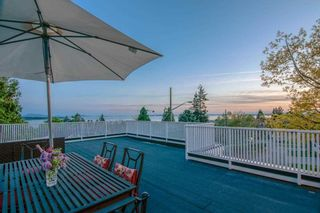 Photo 4: 15449 KYLE Court: White Rock House for sale (South Surrey White Rock)  : MLS®# R2573103