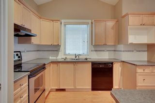 Photo 9: 212 SIMCOE Place SW in Calgary: Signal Hill Semi Detached for sale : MLS®# C4293353