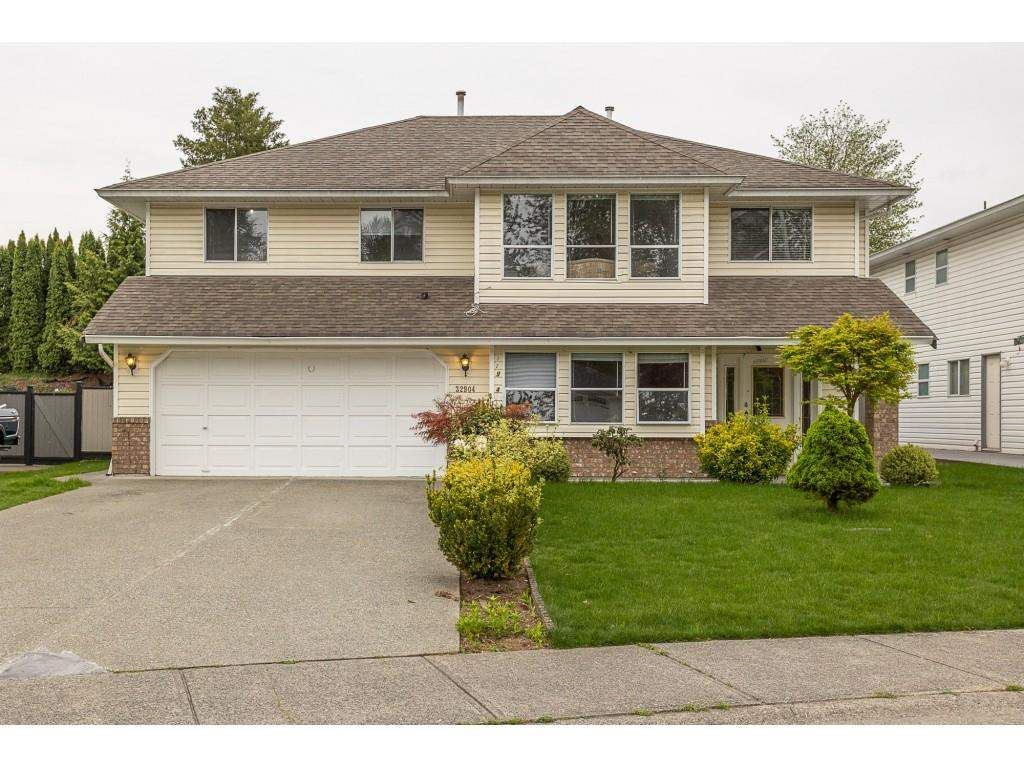 Main Photo: 32904 HARWOOD Place in Abbotsford: Central Abbotsford House for sale : MLS®# R2575680