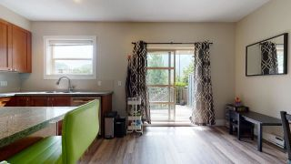 """Photo 8: 1282 STONEMOUNT Place in Squamish: Downtown SQ Townhouse for sale in """"Streams at Eaglewind"""" : MLS®# R2481347"""