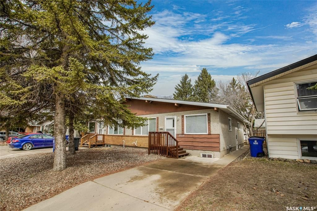 Main Photo: 3323 14th Street East in Saskatoon: West College Park Residential for sale : MLS®# SK850844